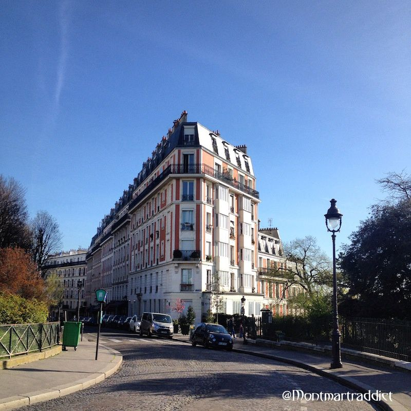 01. Blue sky in Montmartre, 75018