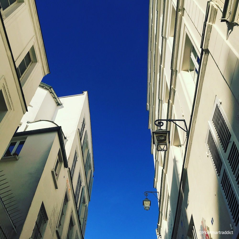 04. Blue sky in Montmartre, 75018