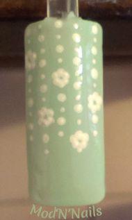 Nail Art guirlandes de fleurs