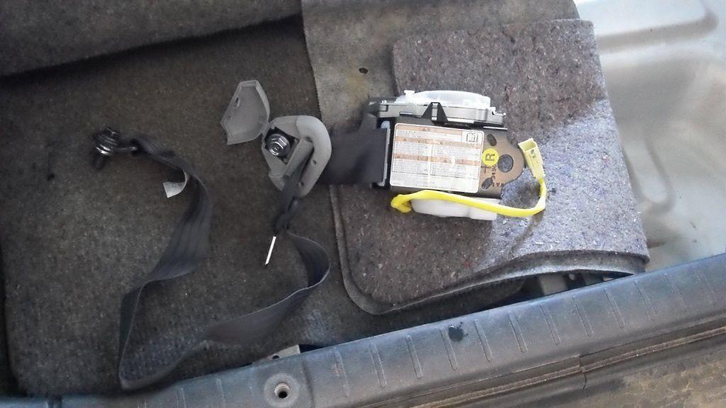 Remplacement ceinture Jimny