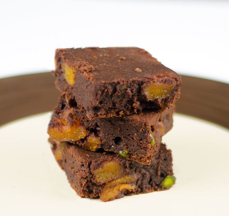 Brownies épicés aux abricots et pistaches