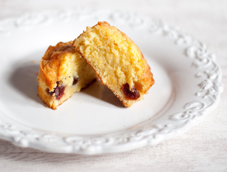 Gâteau au chocolat blanc, vanille et cerises Griottines