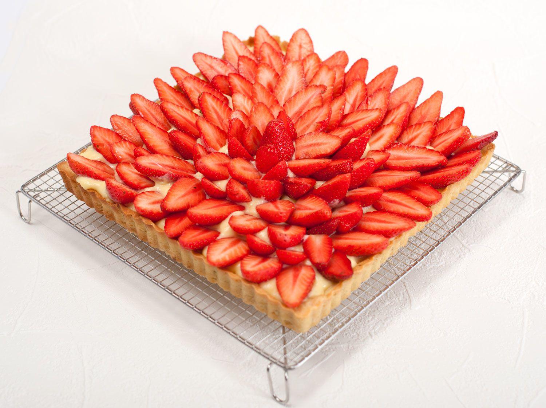 tarte aux fraises simple bonne et jolie parfaite quoi et si c 39 tait bon. Black Bedroom Furniture Sets. Home Design Ideas