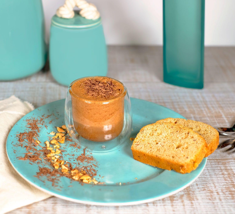 Cake aux noisettes et à la poudre de lait, mousse au chocolat facile