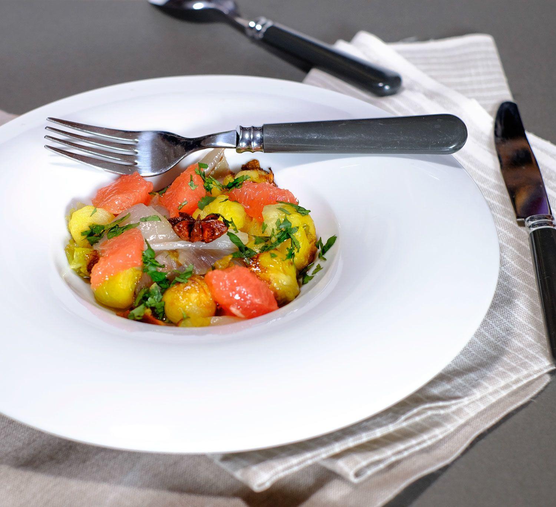 Salade de choux de Bruxelles à l'anis étoilé et pamplemousse (ottolenghi)