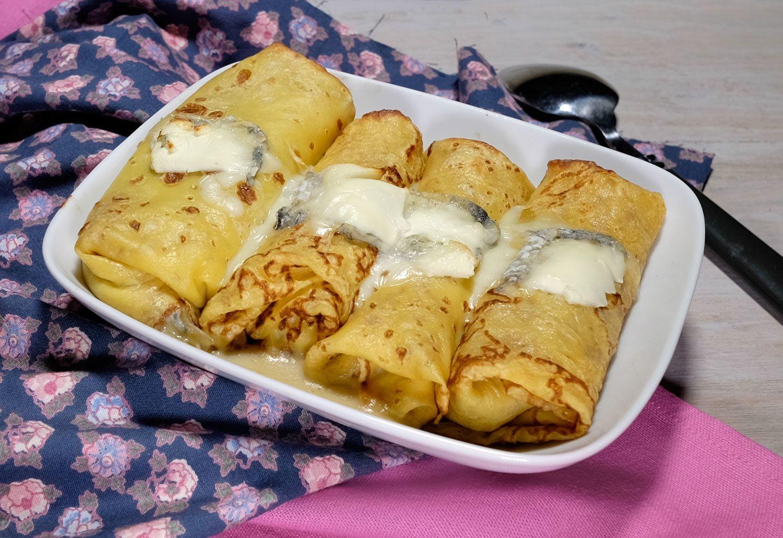 Crêpes (façon ficelles picardes) aux endives et au fromage de chèvre (Valançay)