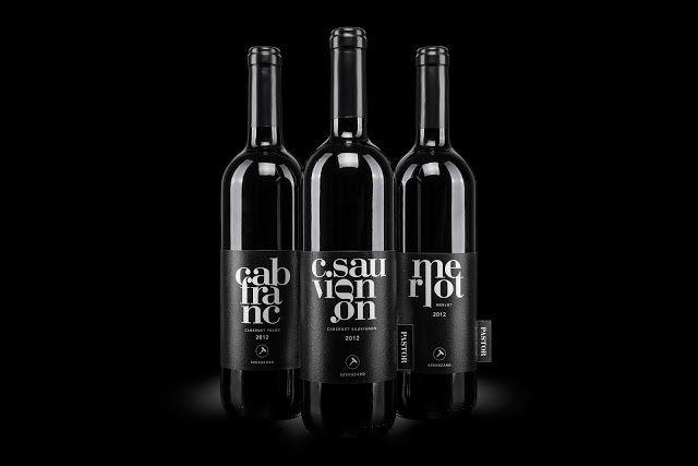 Pastor 2012 (vin rouge) | Design : kissmiklos, Hongrie (août 2015)