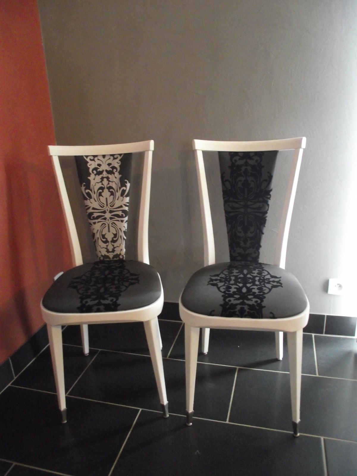 Deux chaise customiser - Customiser des chaises ...