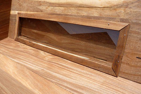 Vue de l 39 int rieur la vitre est maintenue par des for Peut utiliser four sans vitre interieure
