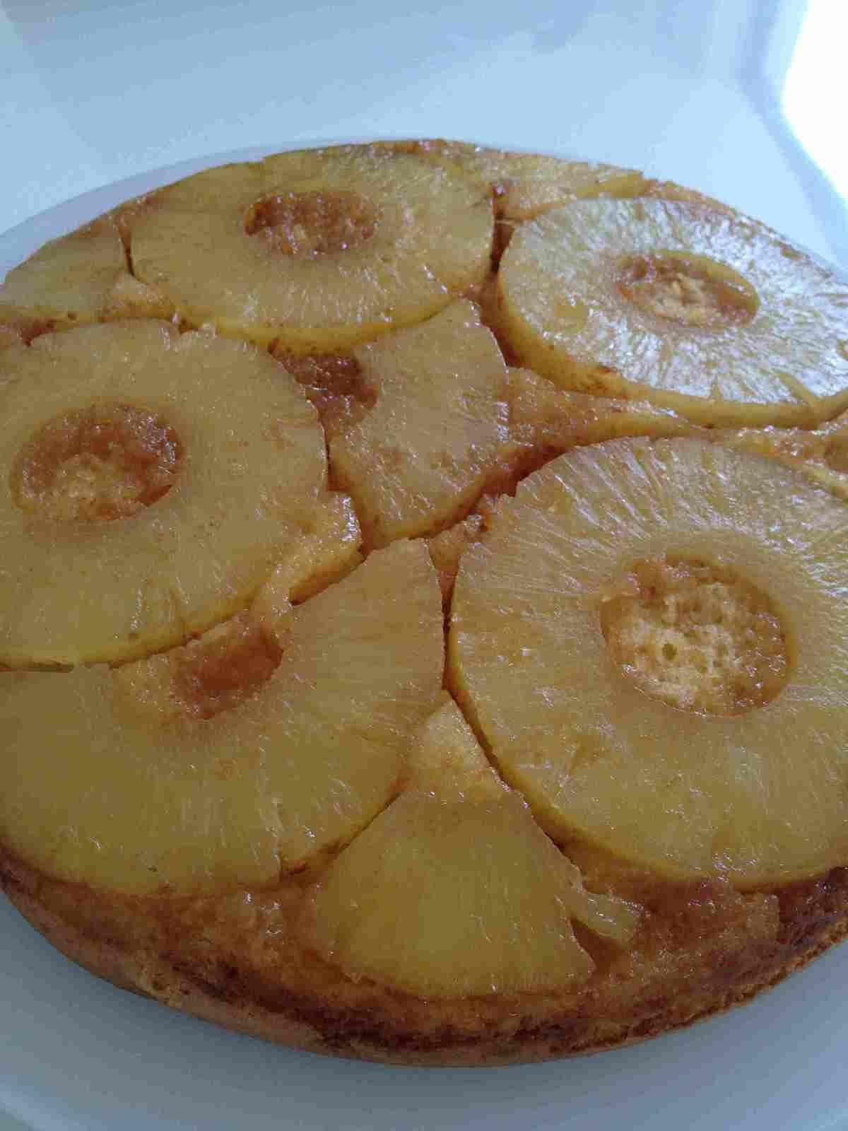 Gâteau renversé à l'ananas et au caramel au beurre salé