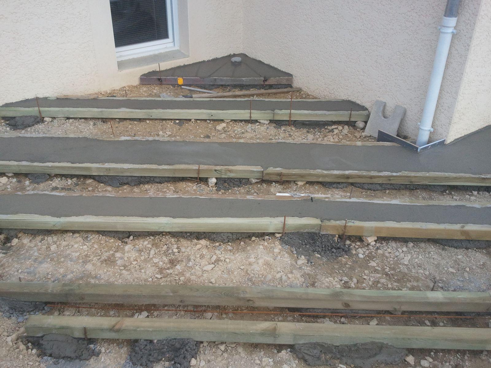 Elaboration dune terrasse bois sur longrines béton  Atelier Alex