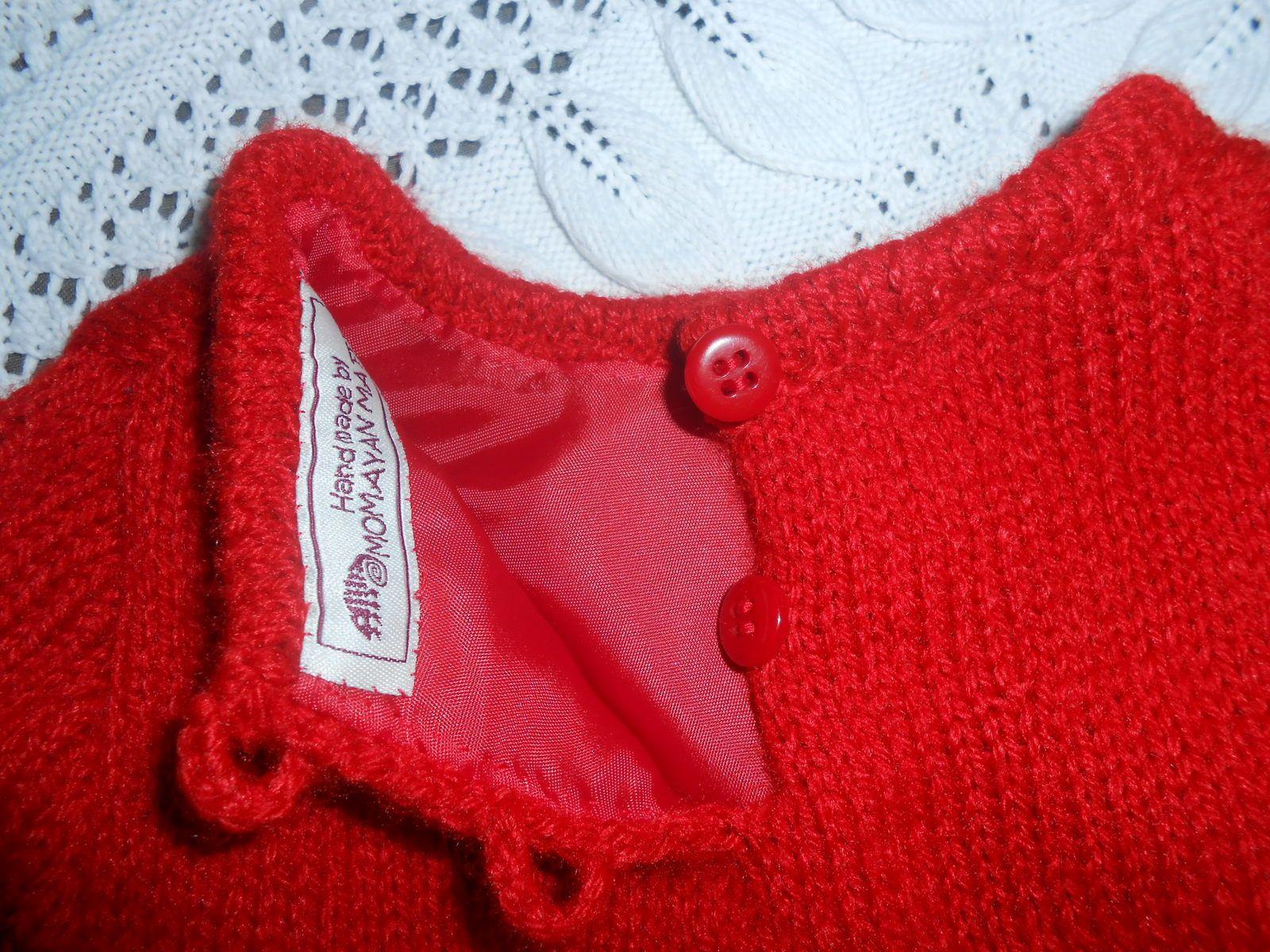 Petite robe rouge pour petite élégante....