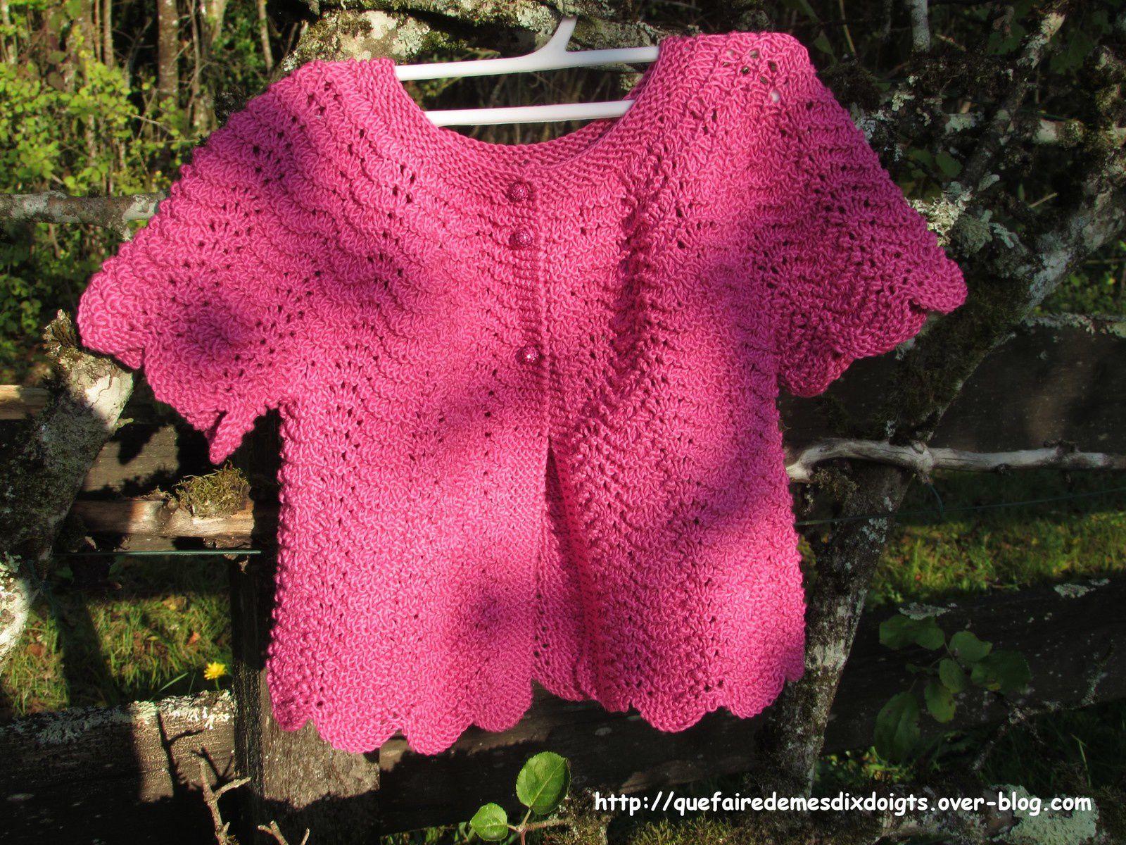 Gilet fillette manches courtes au tricot