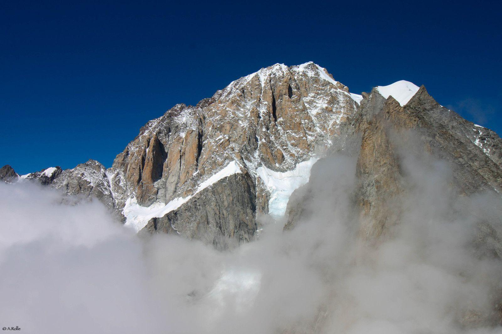 En attendant, la face sud du Mont Blanc est majestueuse.