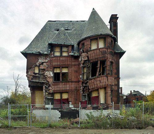 Choisie par Jill pour ce défi : la maison de William Livingstone à Détroit - http://www.marevueweb.com/photographies/la-ville-de-detroit-en-ruine/
