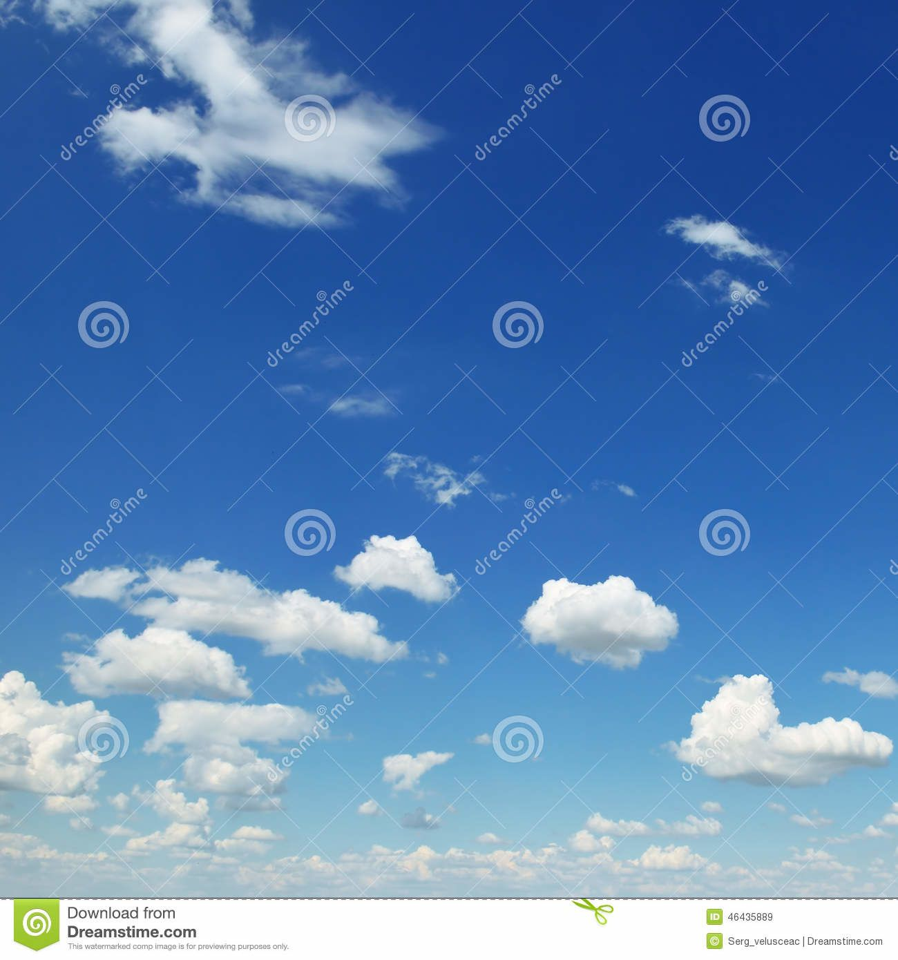 http://fr.dreamstime.com/photo-stock-petits-nuages-blancs-image46435889