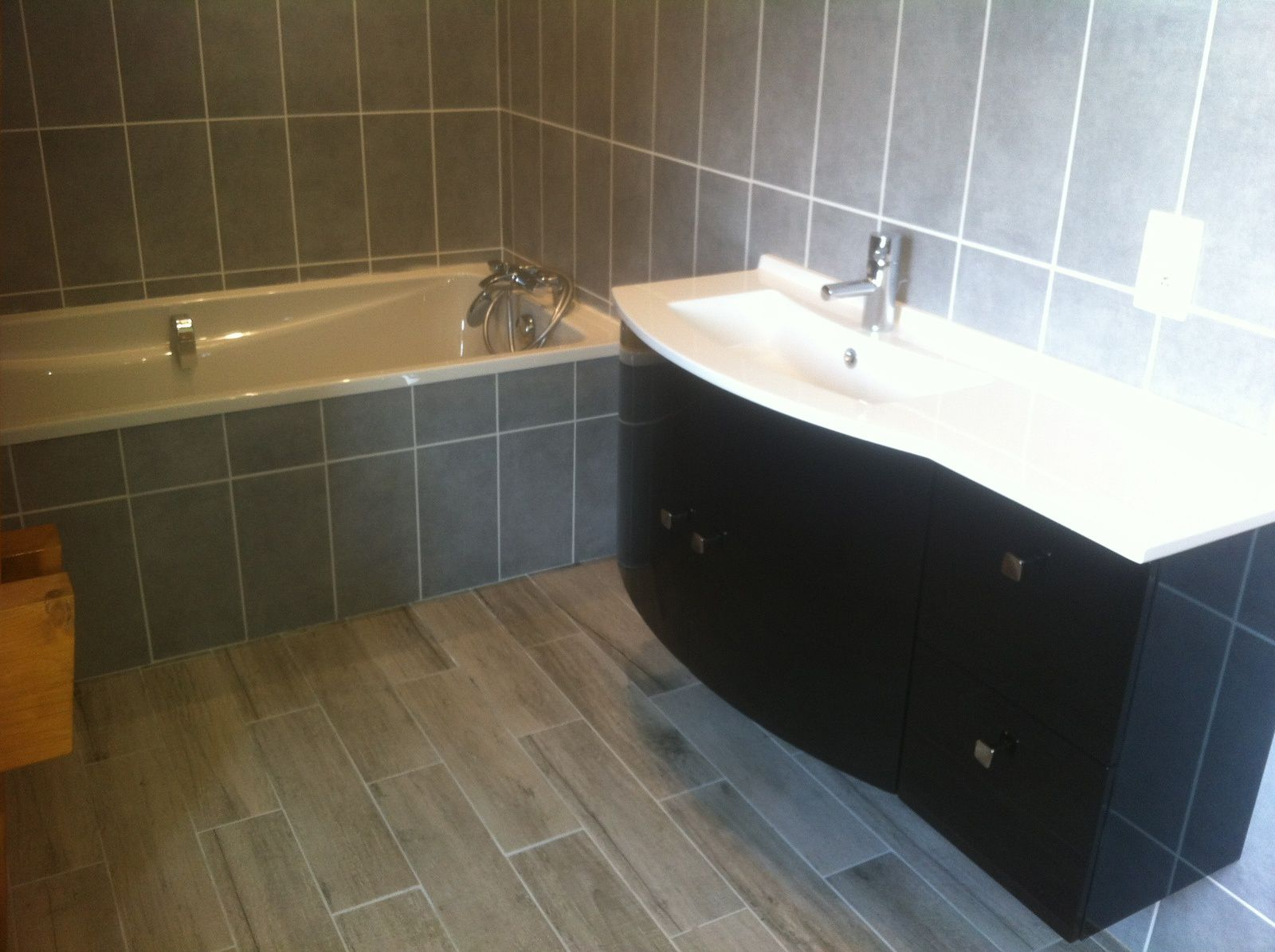Cr ation d 39 une salle de bain renov batiment for Creation salle de bain