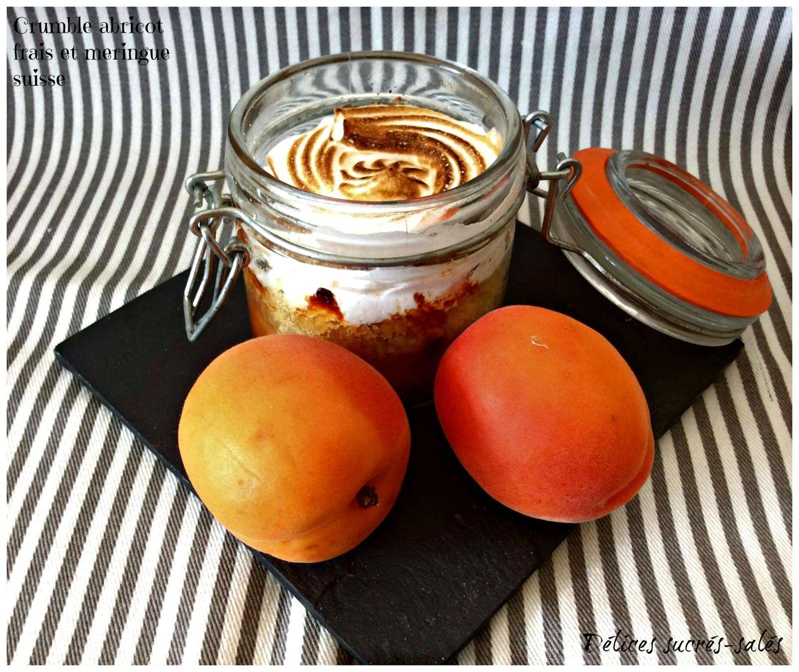Crumble abricot frais et meringue suisse