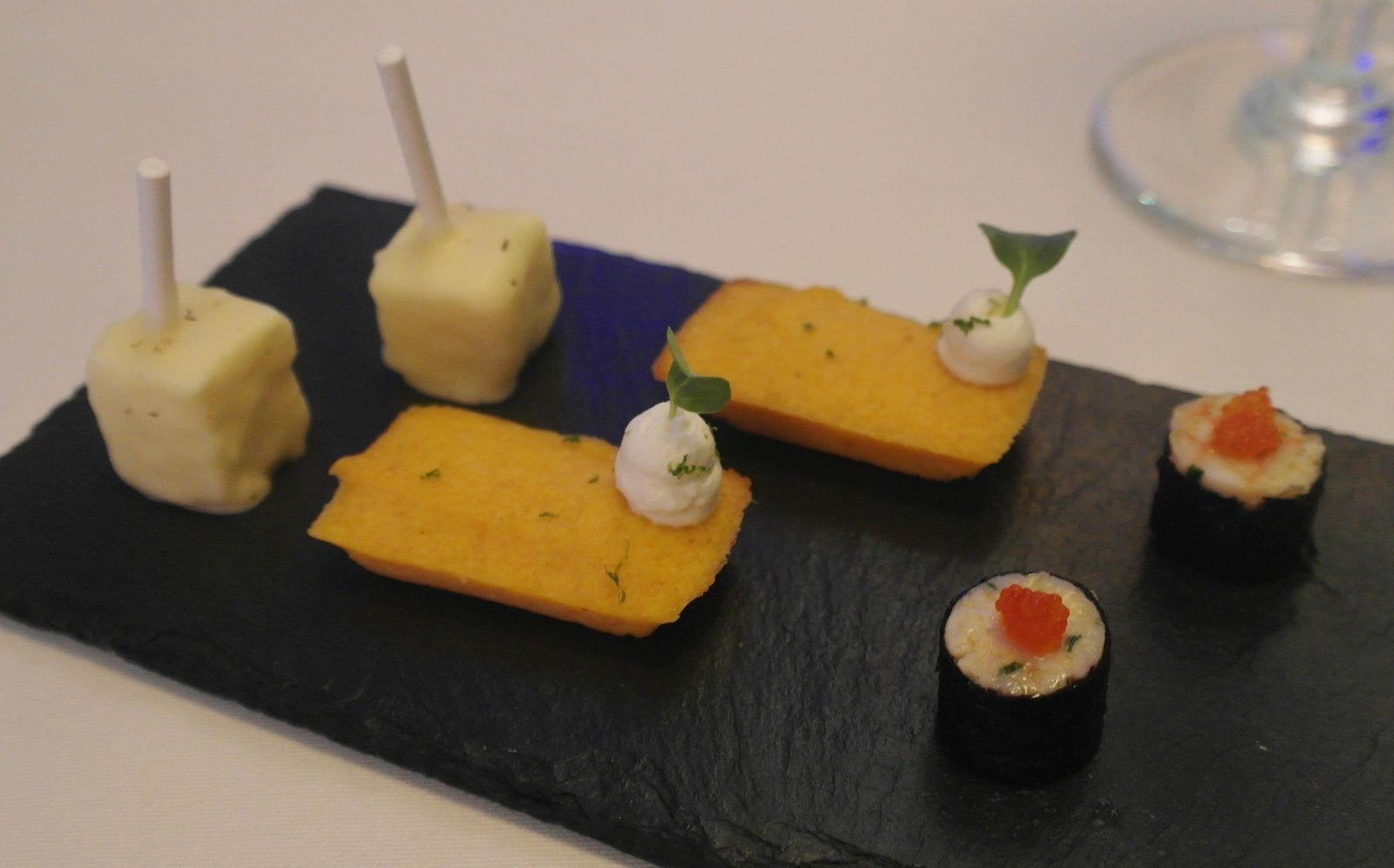 Sucette panais chocolat blanc, financier courge chantilly truffe blanche, King crab