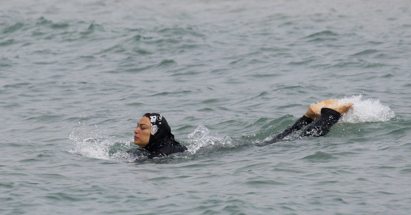 Burkini suite... mais pas fin