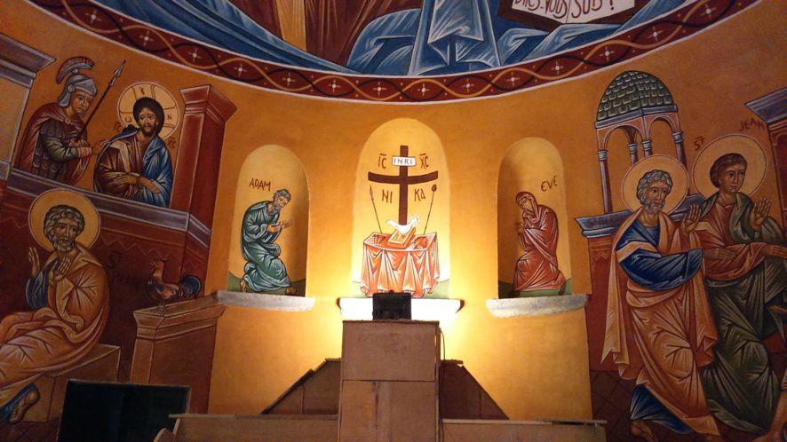 Aujourd'hui lundi 29 juin, la fresque est terminée. Bientôt d'autres photos quand l'église ne sera plus en chantier.