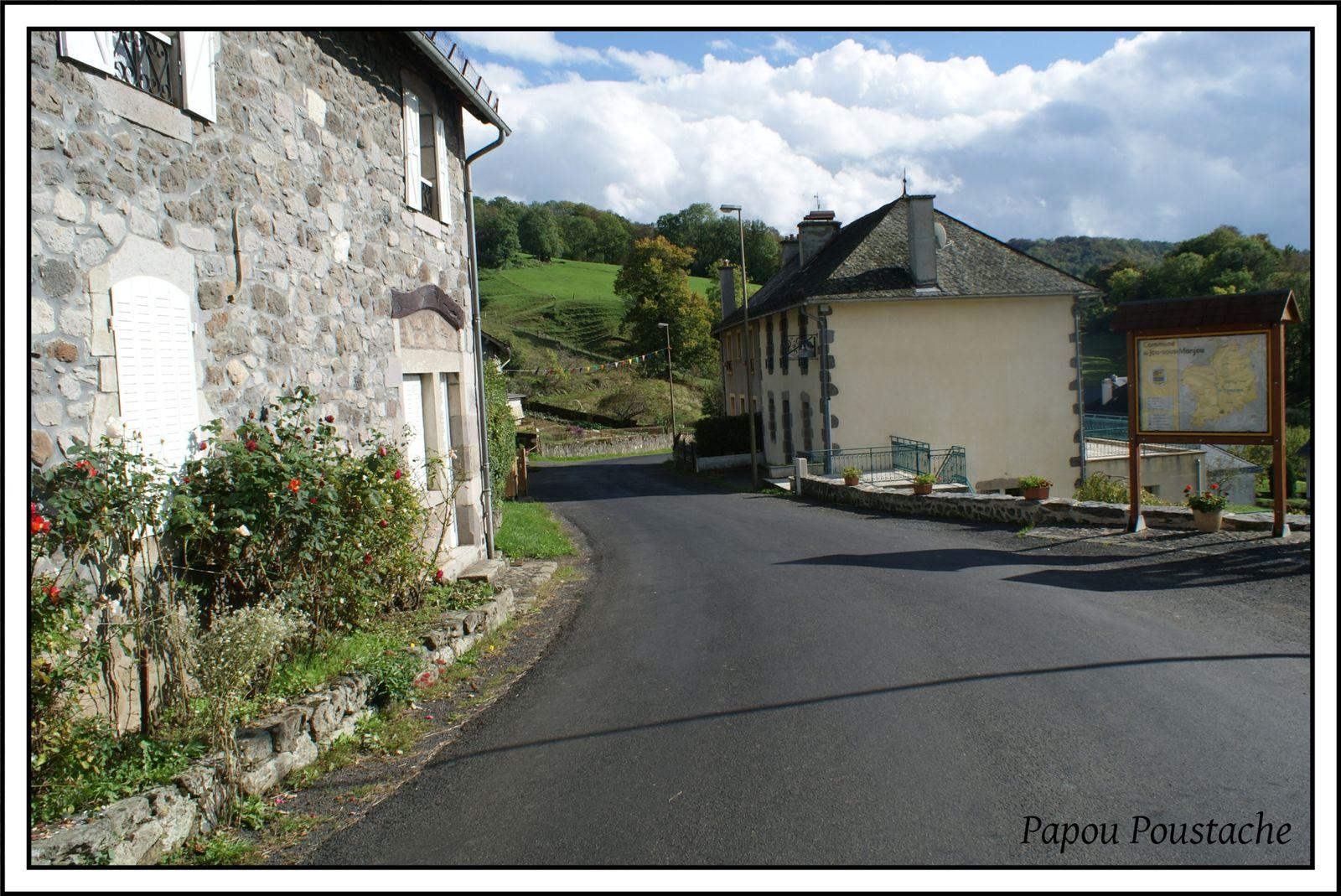 Les villages du Cantal:   Jou sous Monjou