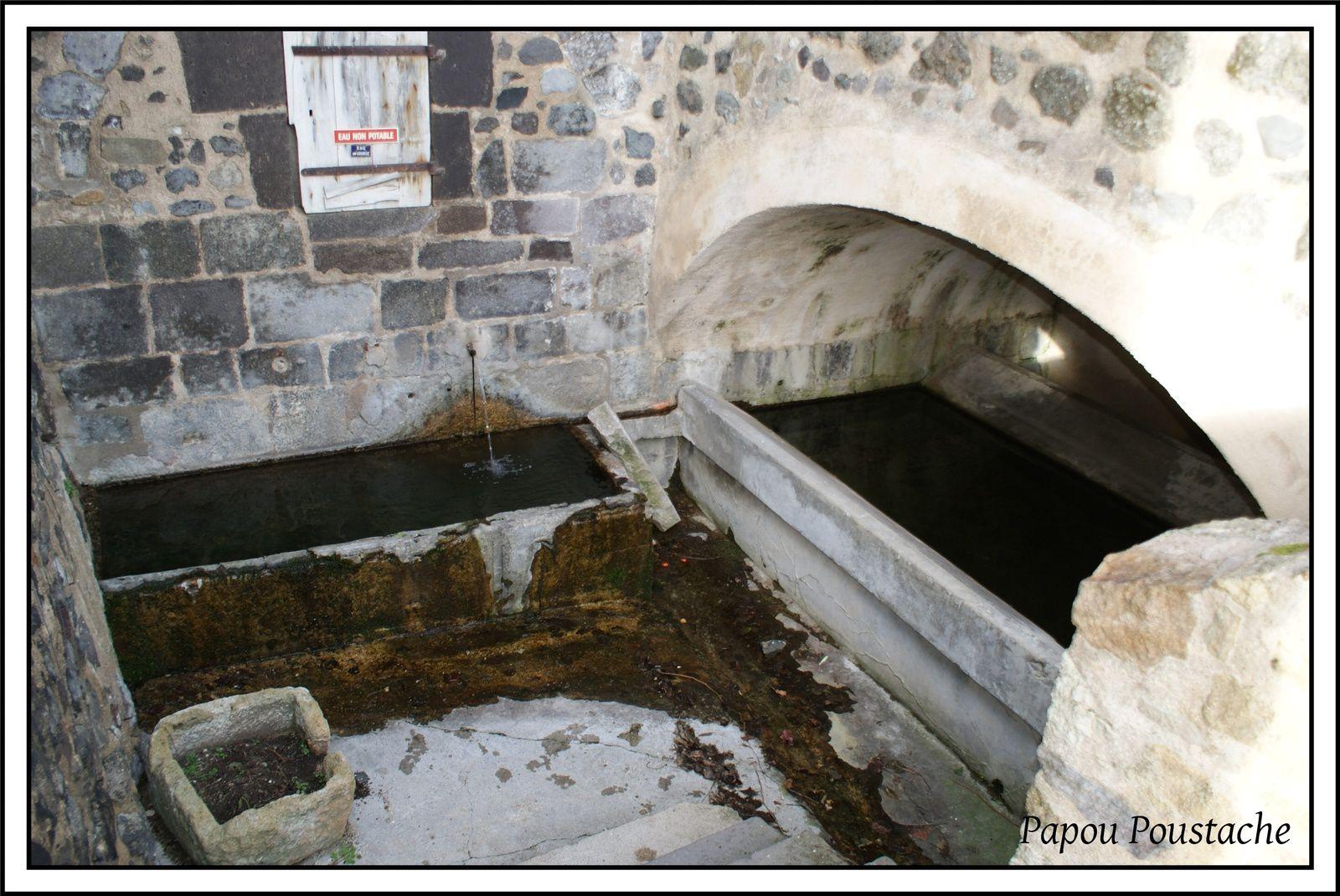 Les villages du Puy de Dome:Monton
