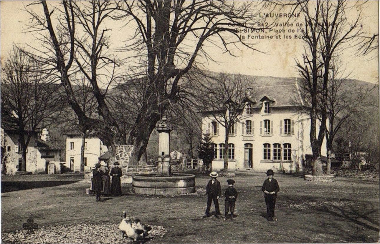 Les villages du Cantal:Saint Simon