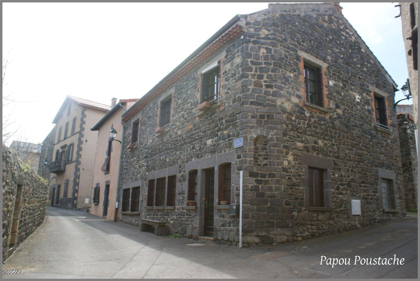 Le village de Opme commune de Romagnat