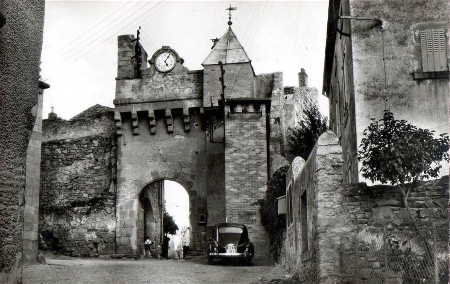 Montpeyroux:La porte et la tour