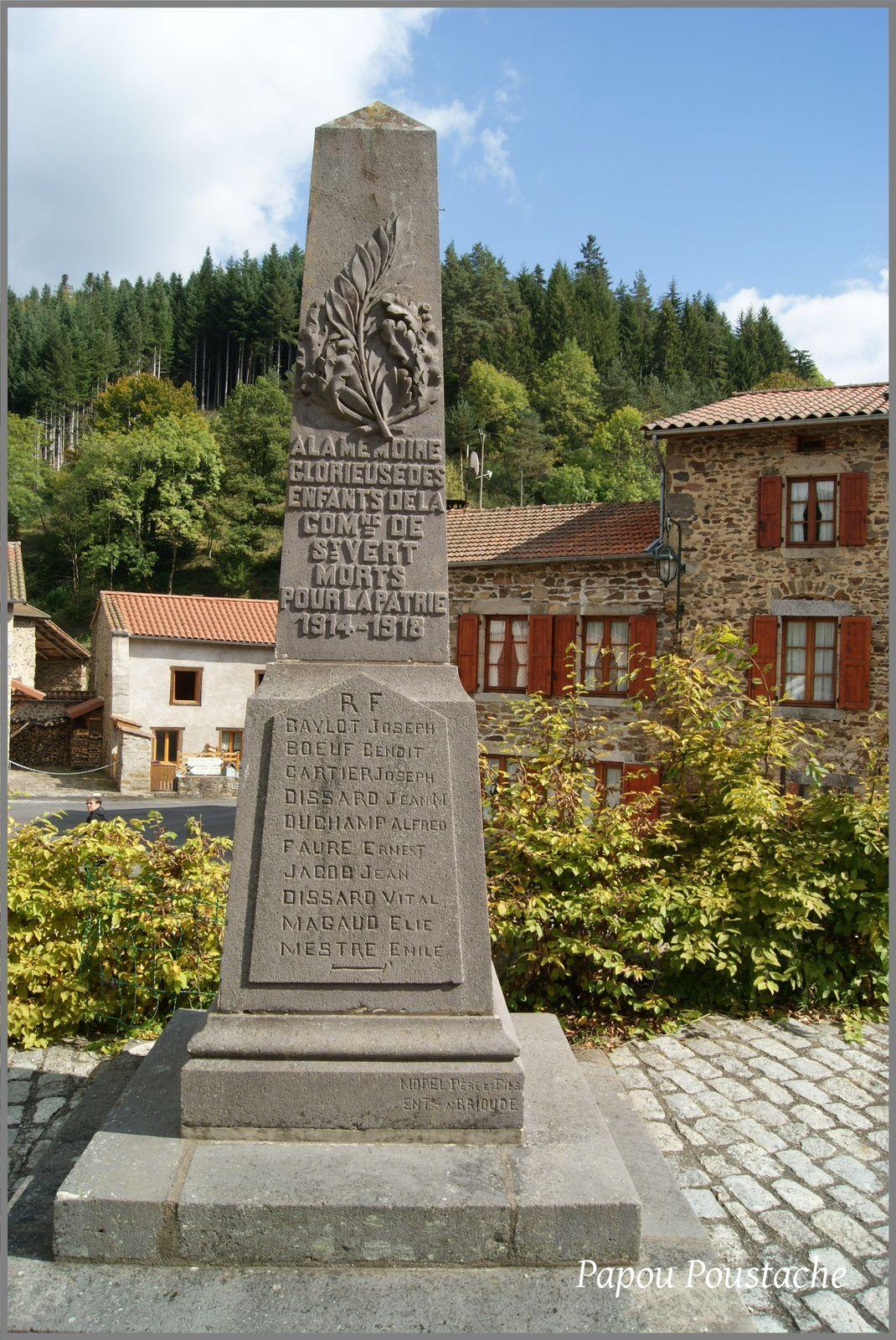 Monument aux morts et croix à St Vert