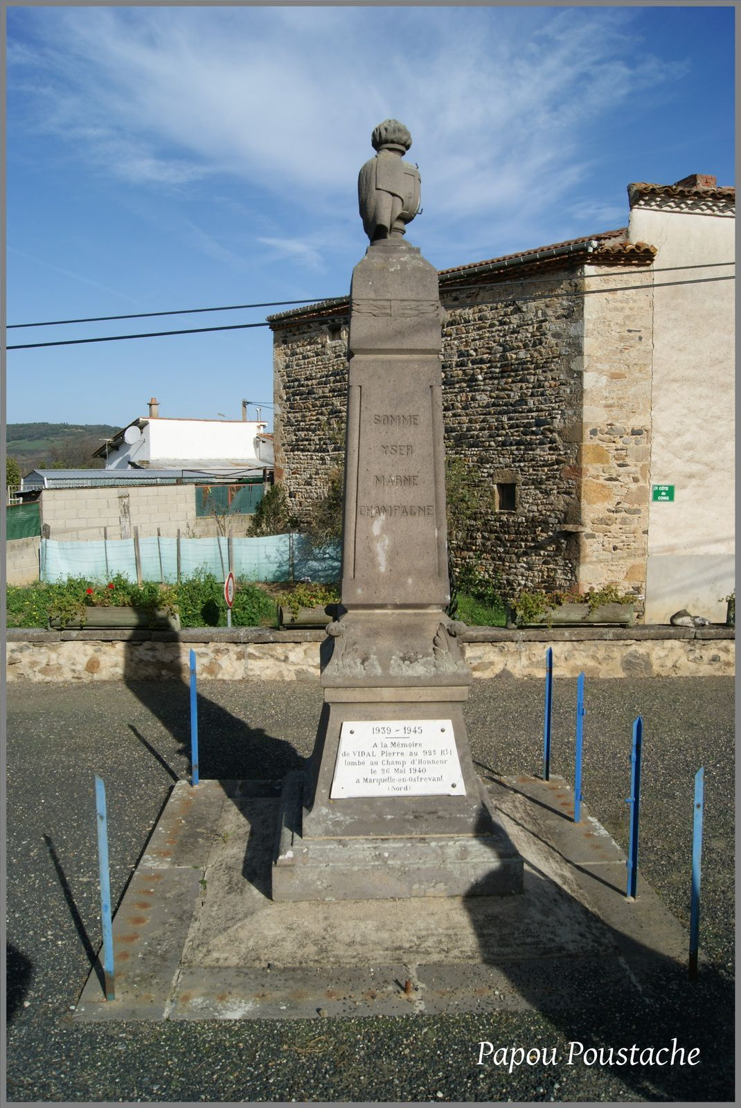 Monument et Fontaines à Collanges