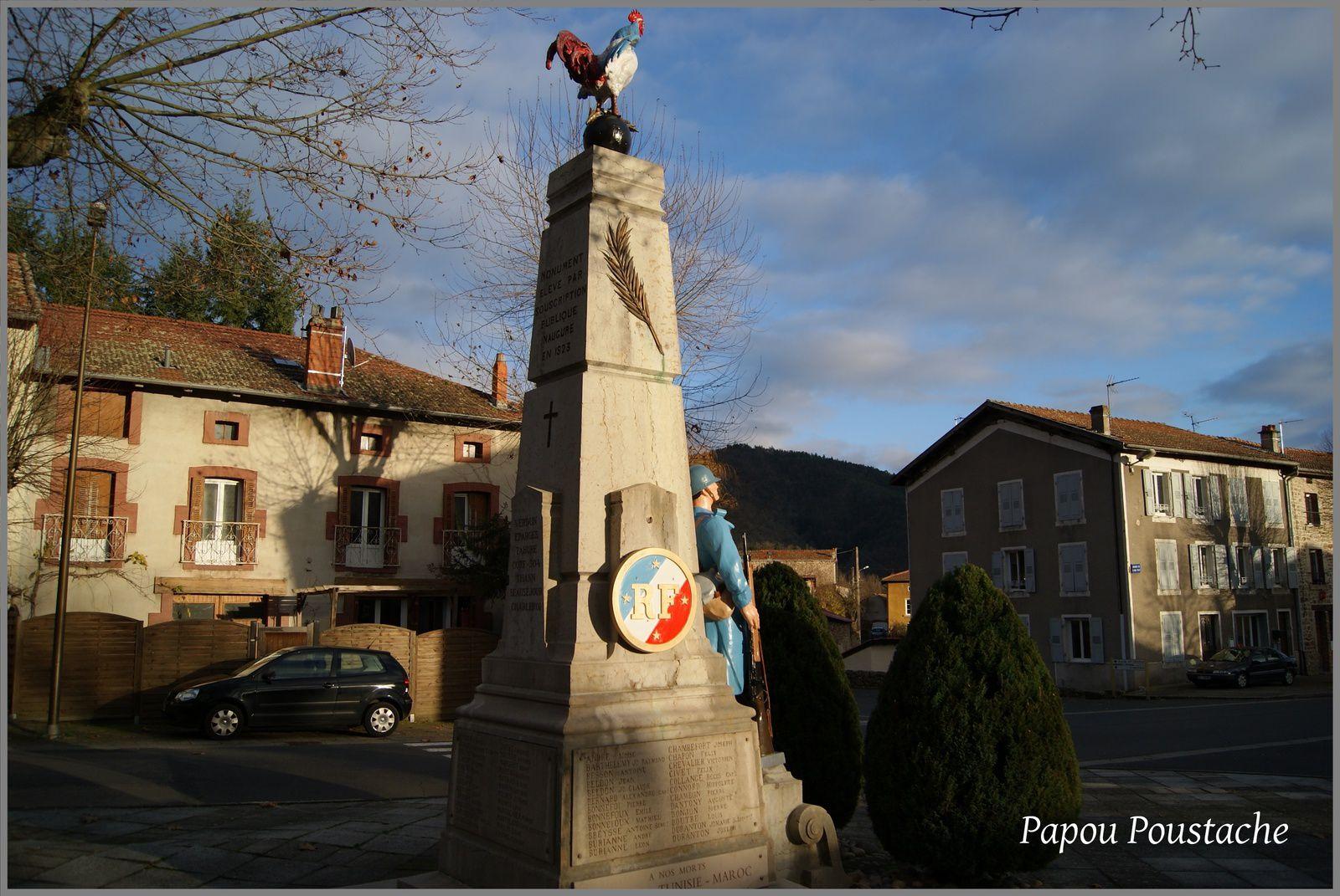 Le monument aux morts à Vorey