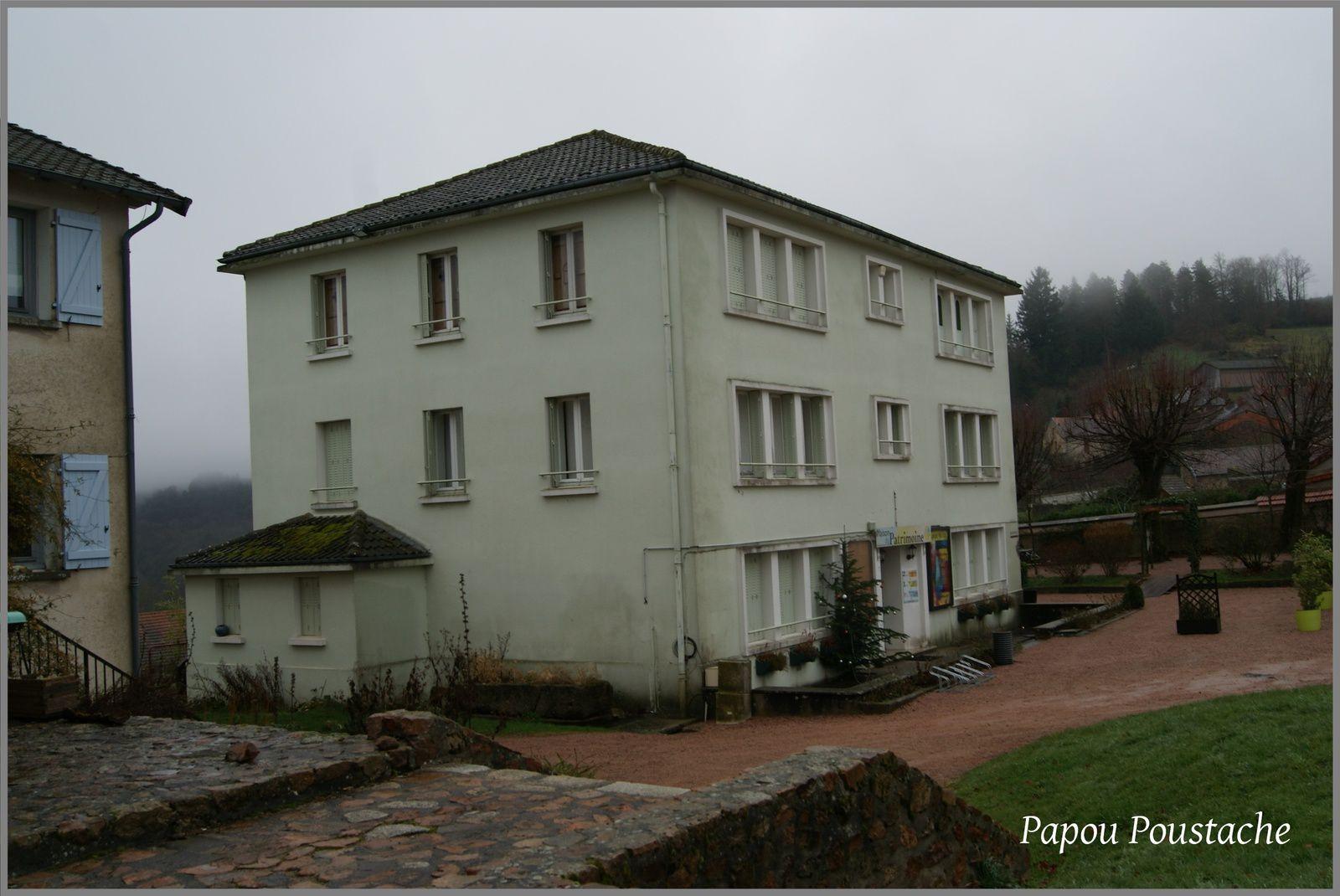 Les villages de l'Allier: Chatel Montagne