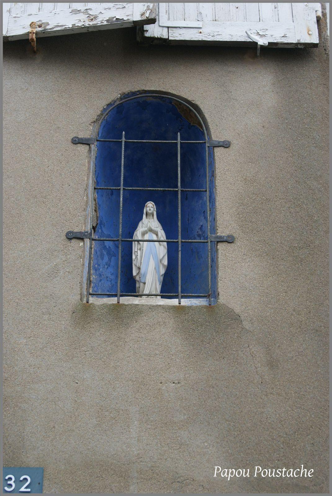 Le Mayet de Montagne:Eglise,chapelle et Vierge