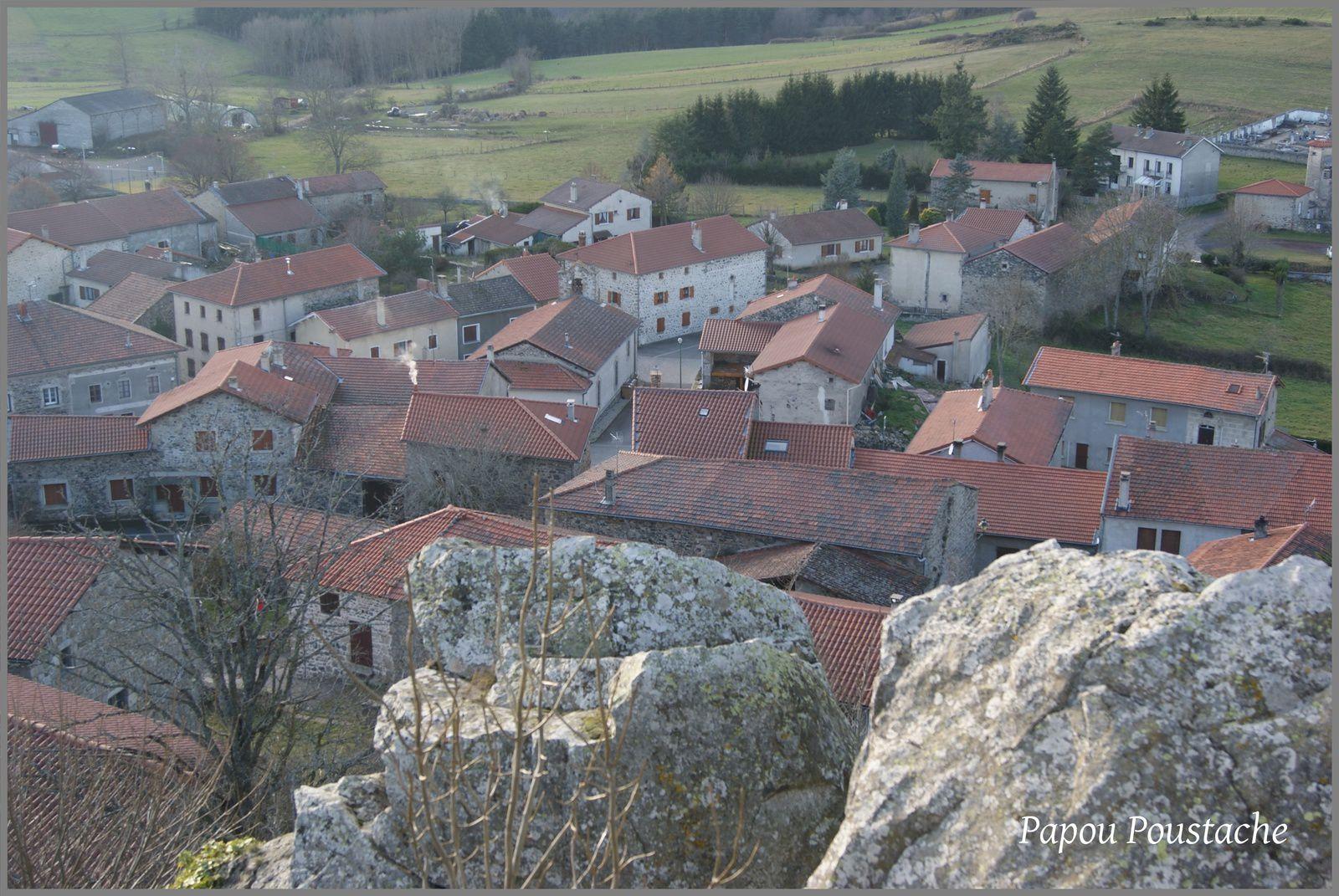 Les villages de Haute-Loire:Roche en Régnier