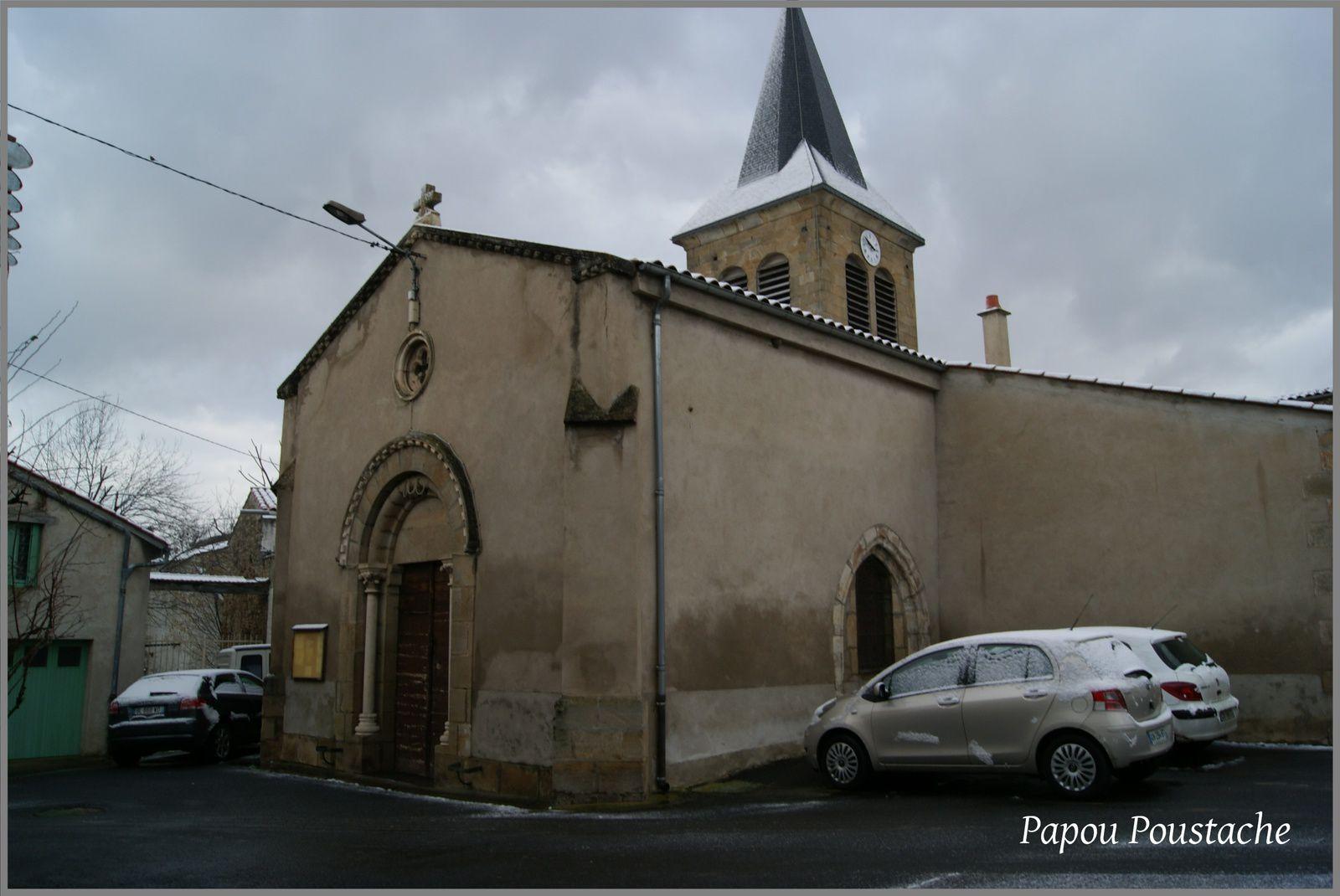 Eglise et Mairie aux Pradeaux