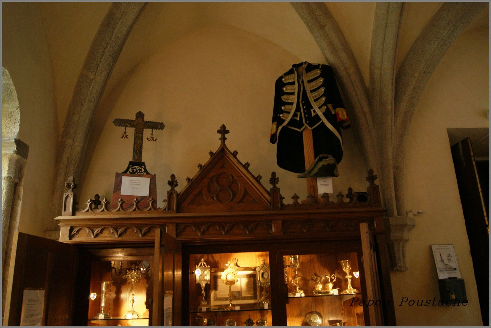 Eglise de Montsalvy