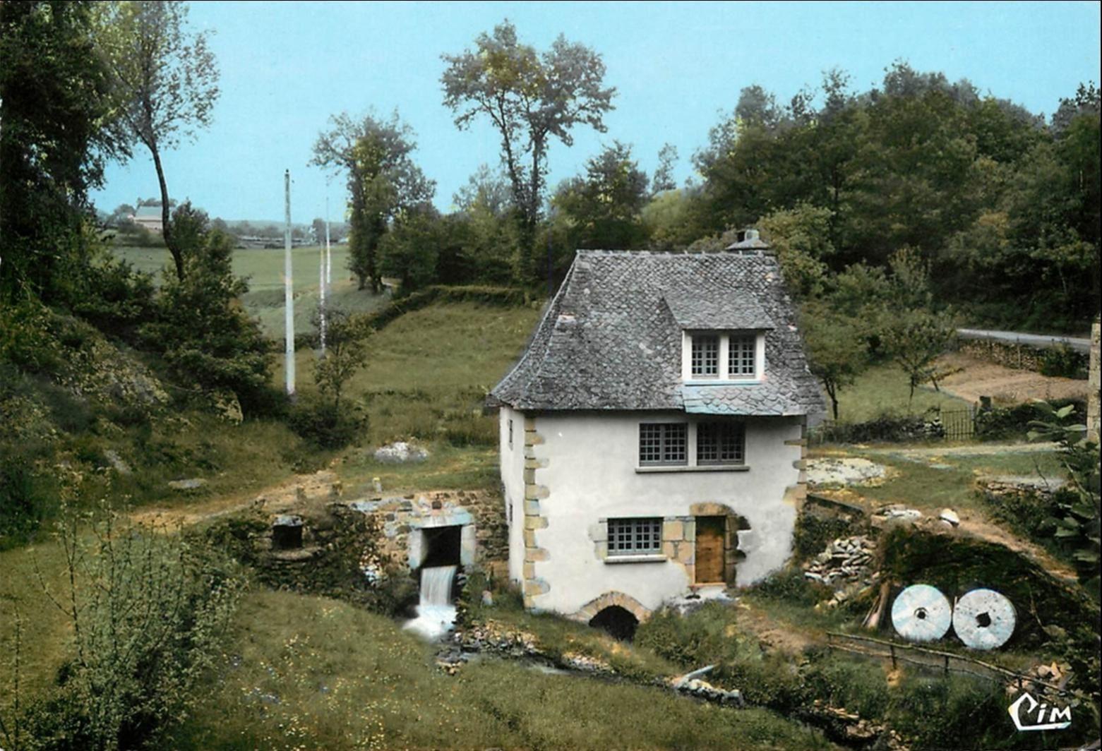 Ladinhac dans le Cantal