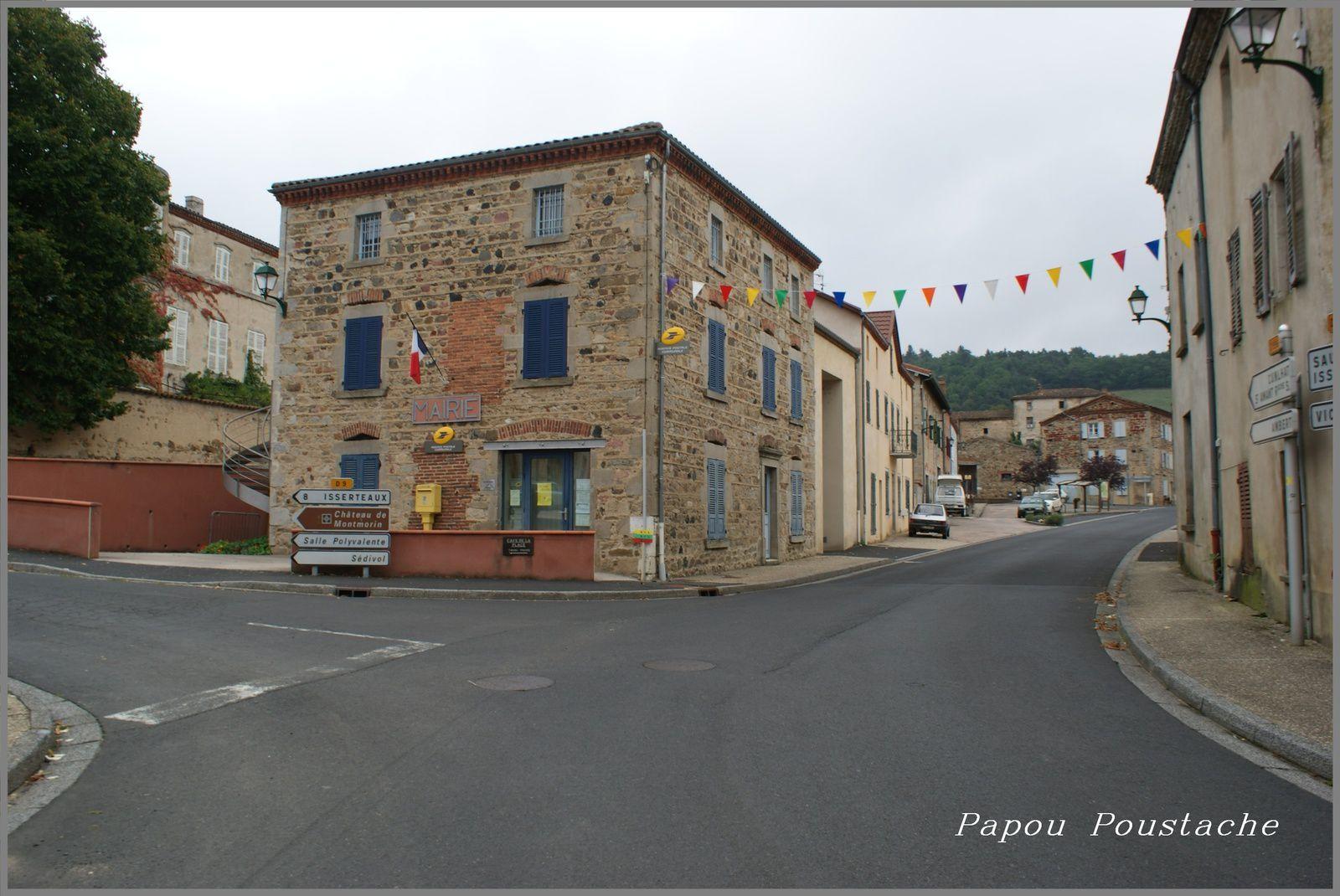 Le village de Sugères dans le Puy de Dome
