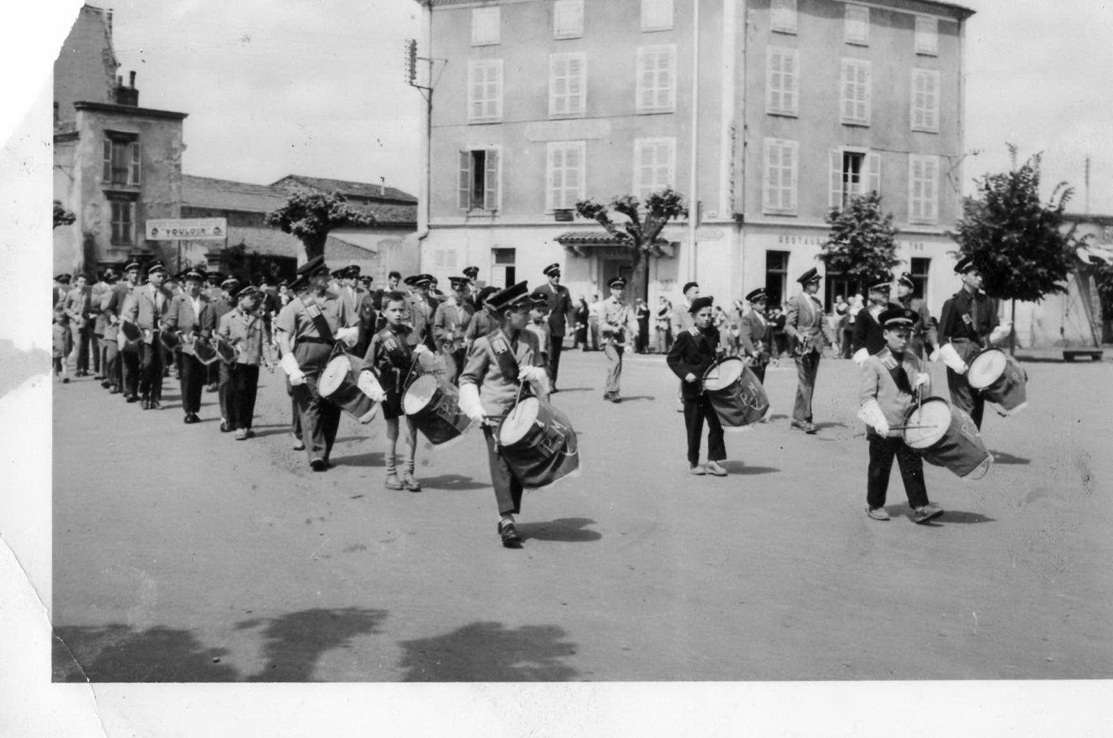 La fanfare Ducellier à Issoire