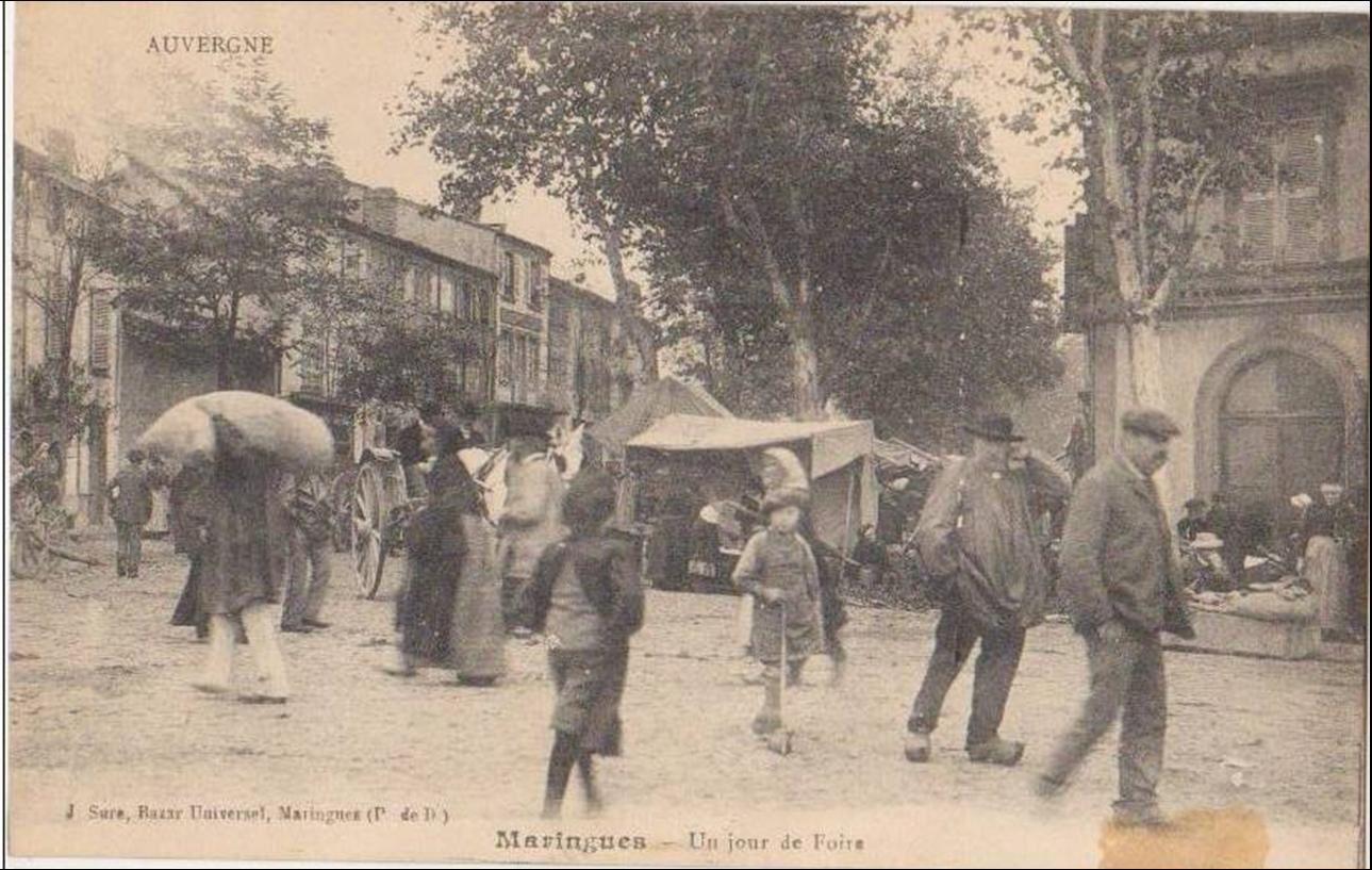Le marché à Maringues
