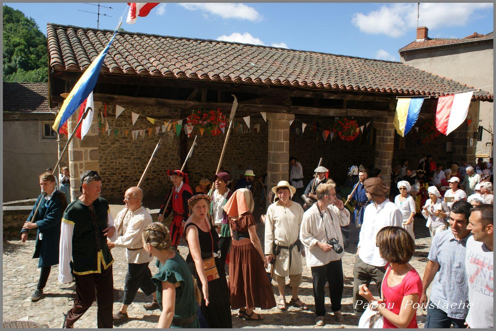 Auzon à l'époque médiévale