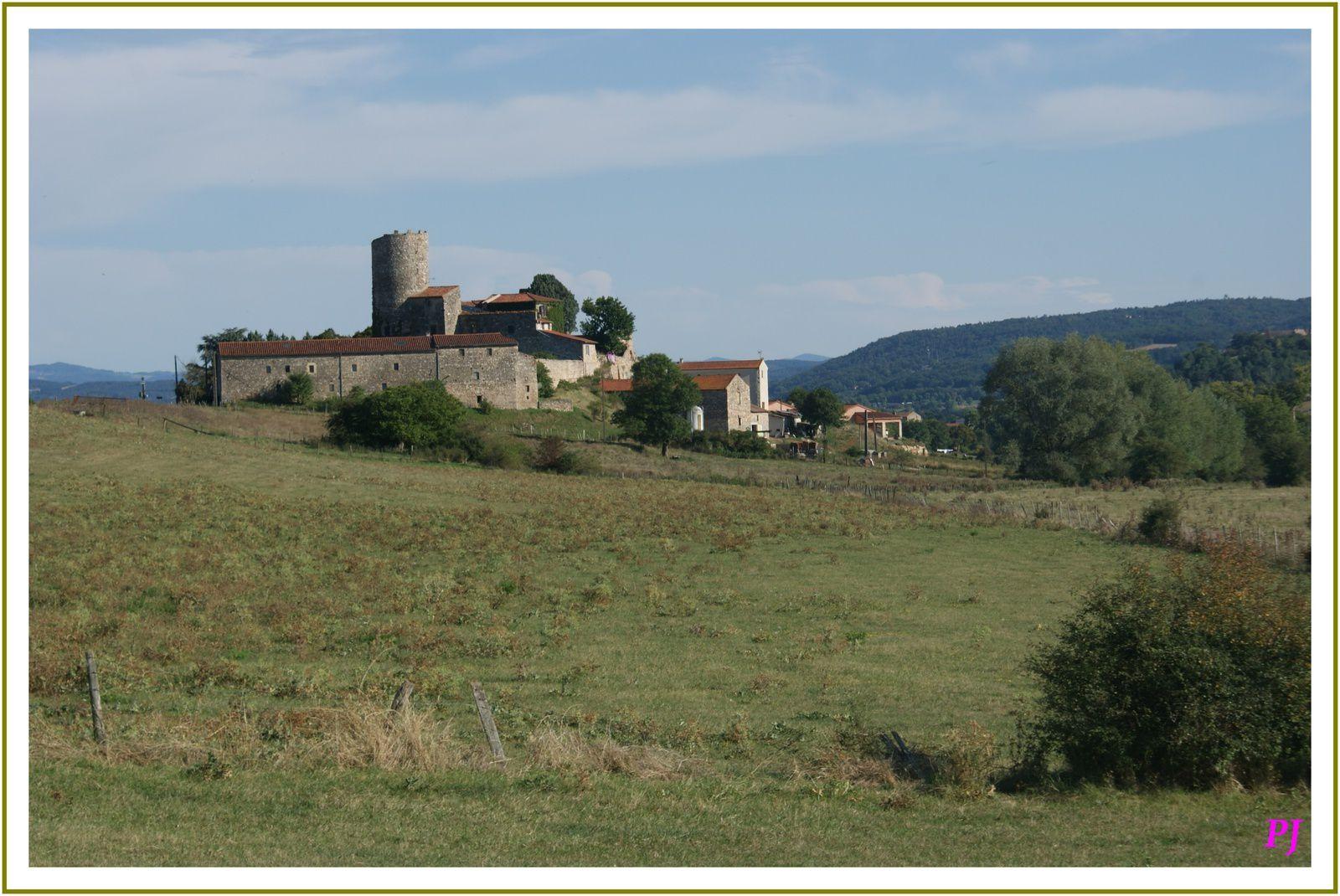Le village de Beaumont en Haute Loire