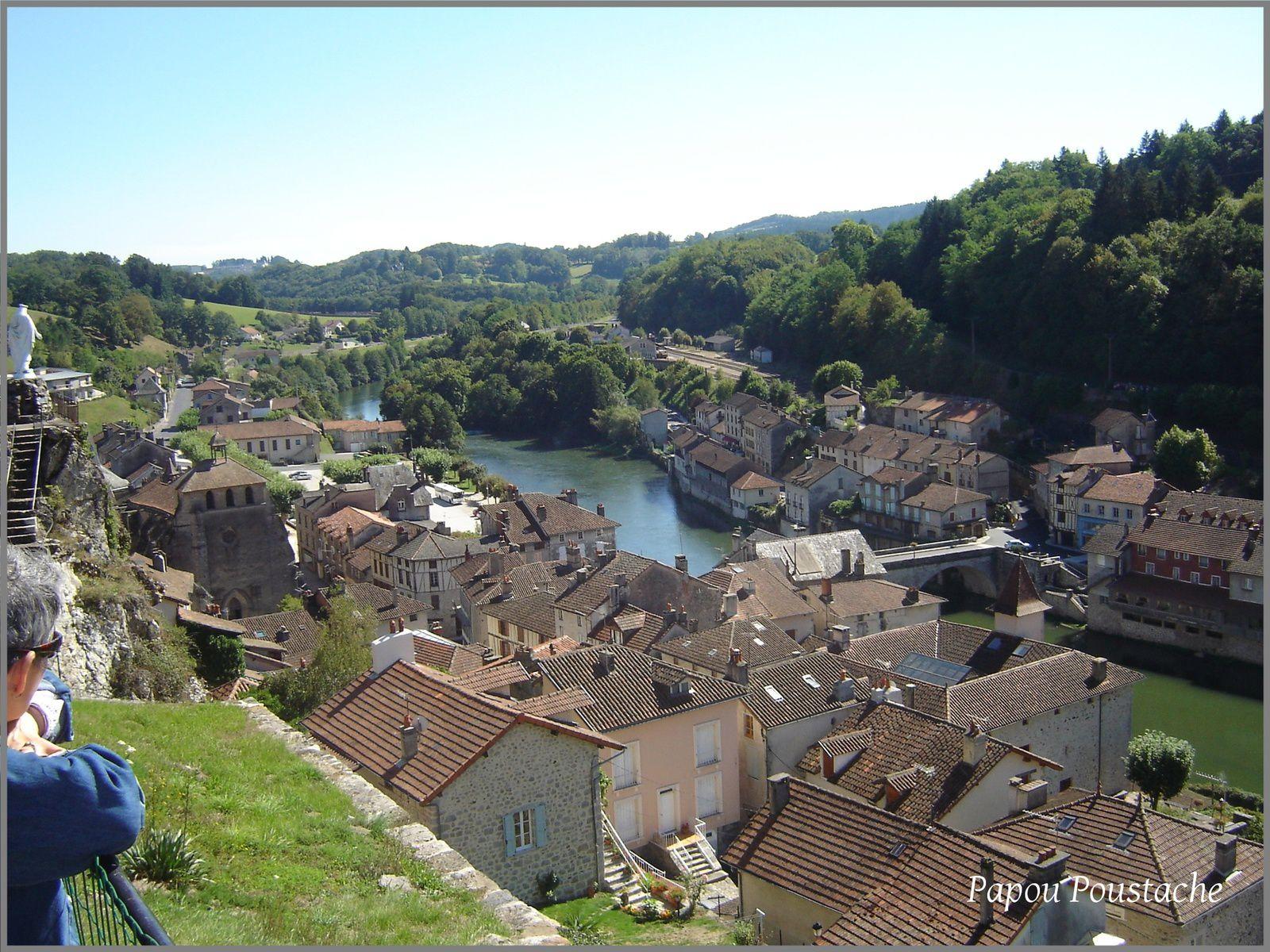 Les villages d'Auvergne:Laroquebrou dans le Cantal