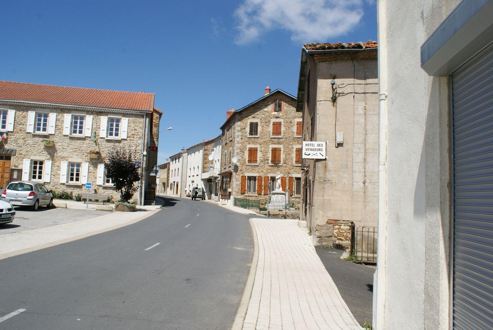 Les villages d'Auvergne:Pinols en Haute-Loire
