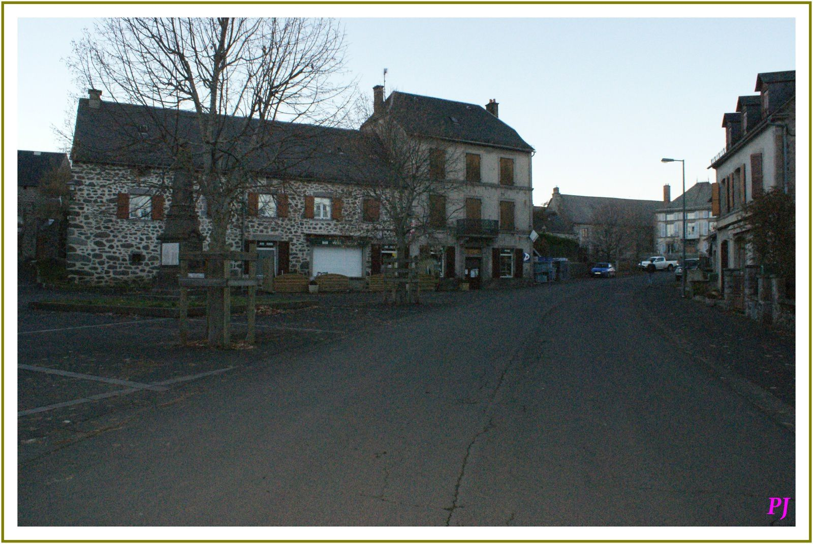 Les villages du Cantal: Chalinargues