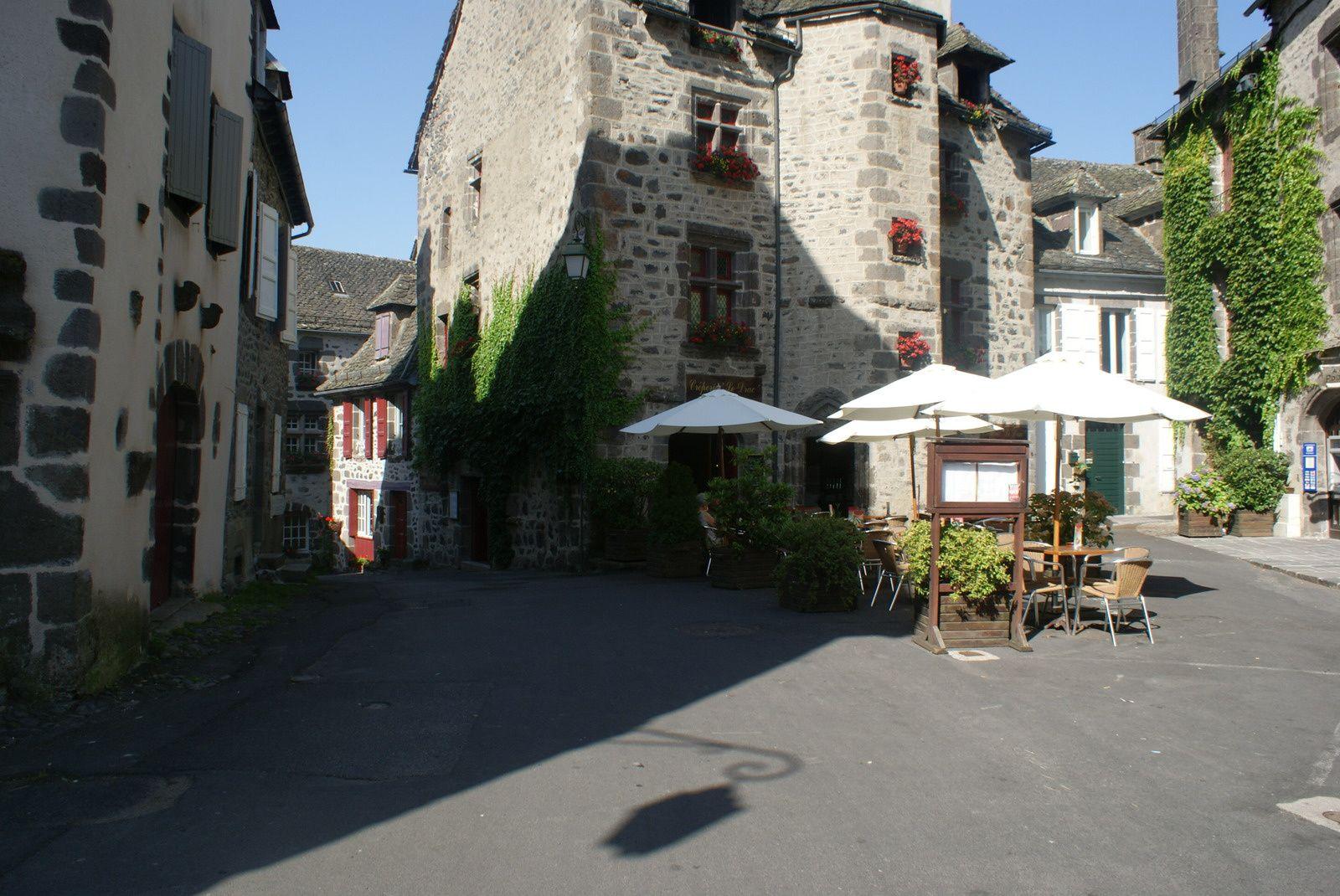 Les villages du Cantal: Salers