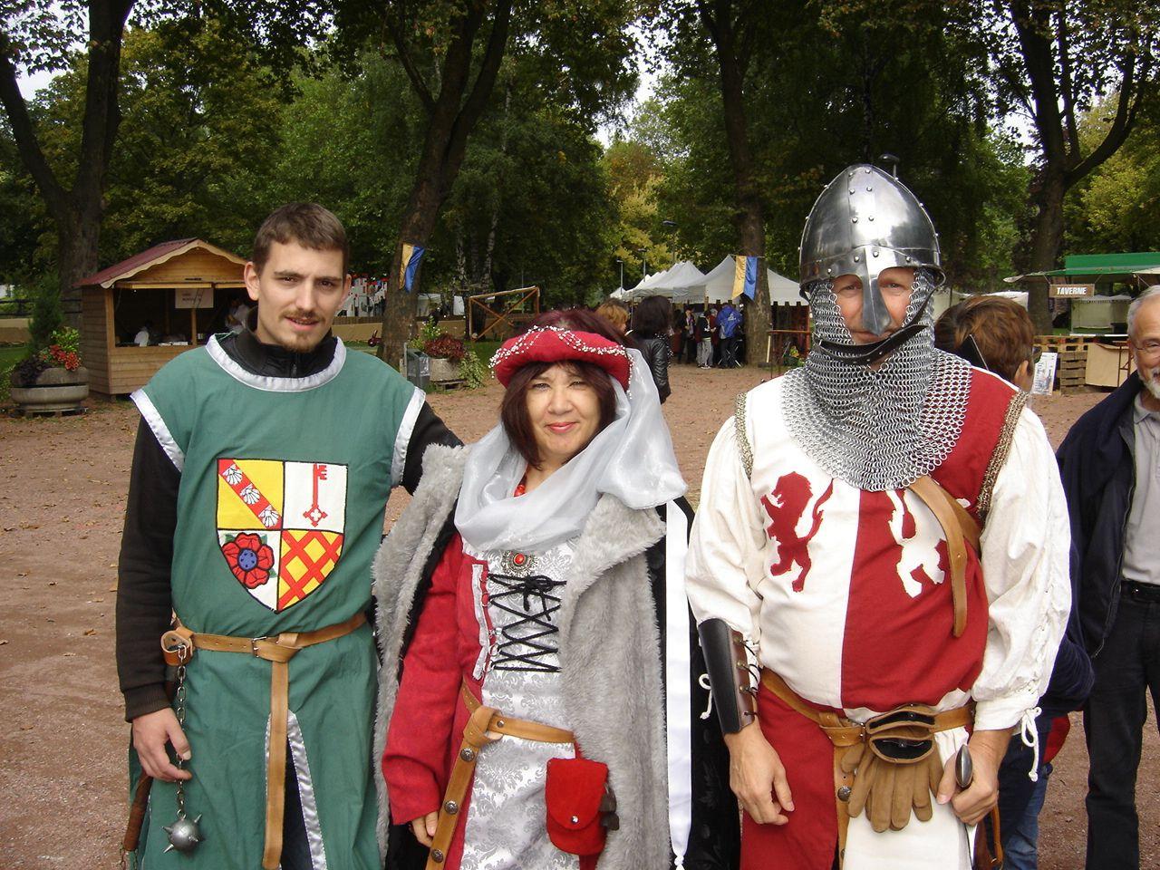 Samedi 25 septembre Gente Dame Renée, seigneur Daniel et les chevaliers Mathieu et Quentin à la fête médiévale de Pont à Mousson