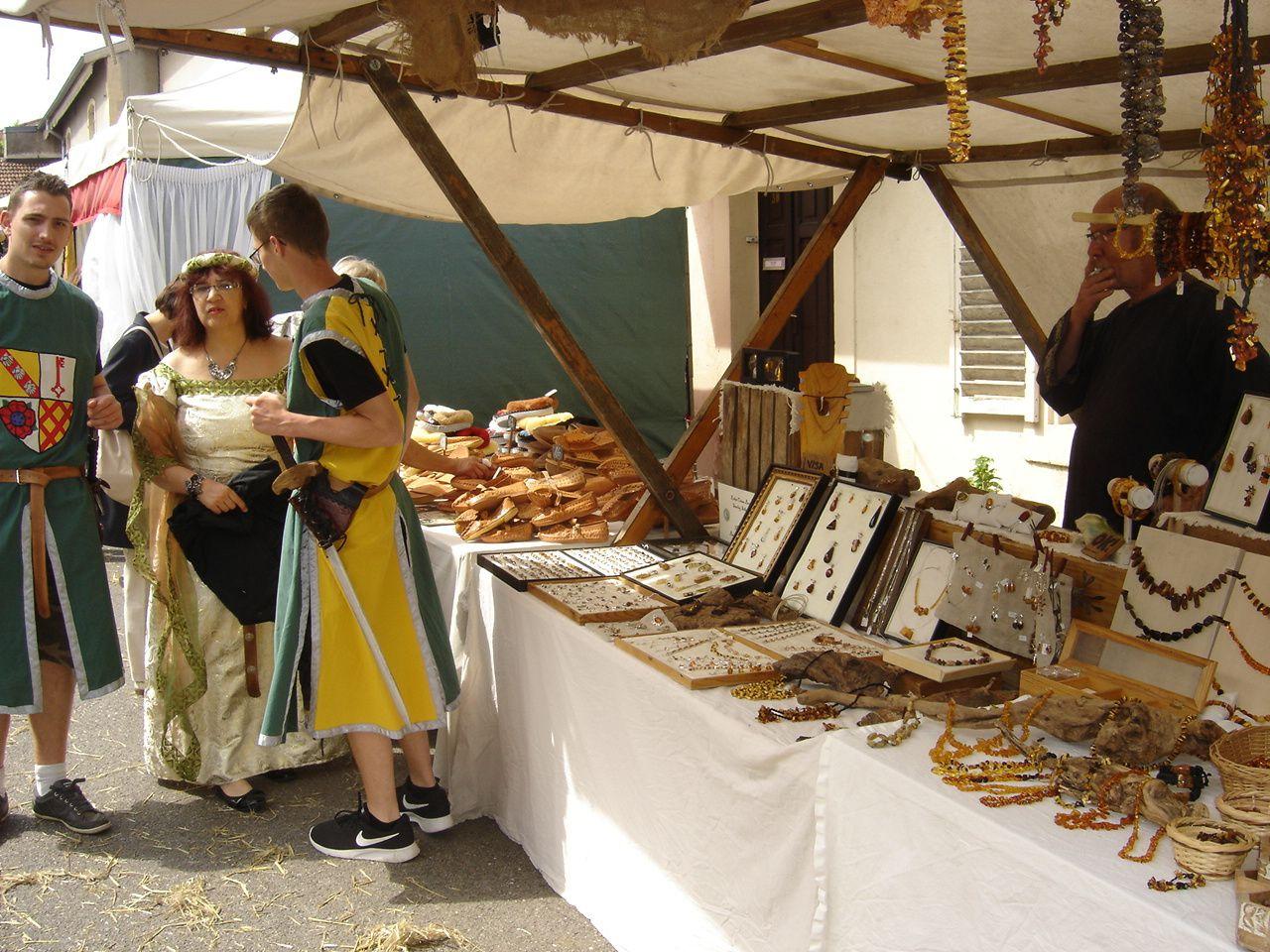 Les chevaliers du château de Frauenberg à la fête médiévale de Liverdun